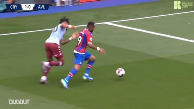 Jordan Ayew's late strike downs Aston Villa