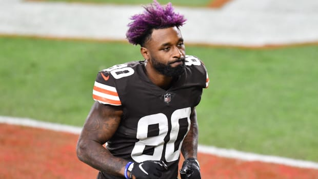 Cleveland Browns wide receiver Jarvis Landry (80) leaves the field after the game between the Cleveland Browns and the Cincinnati Bengals at FirstEnergy Stadium.