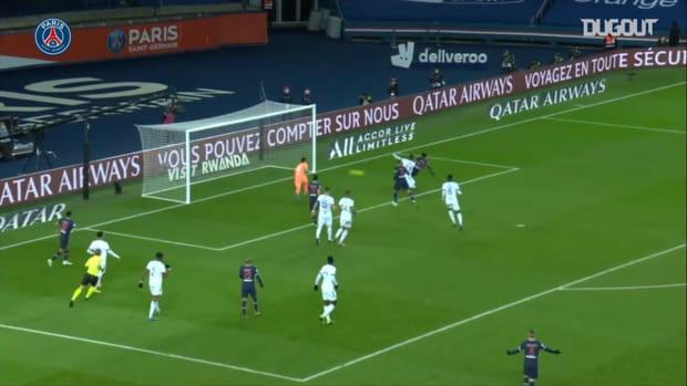 Timothée Pembélé's first goal with Paris Saint-Germain