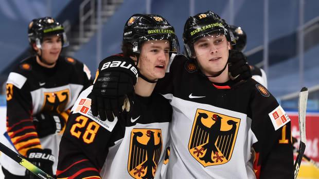 Manuel Alberg and Jan-Luca Schumacher