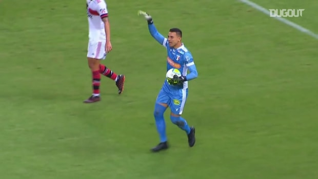 Felipe Alves produces incredible save to deny Pedro