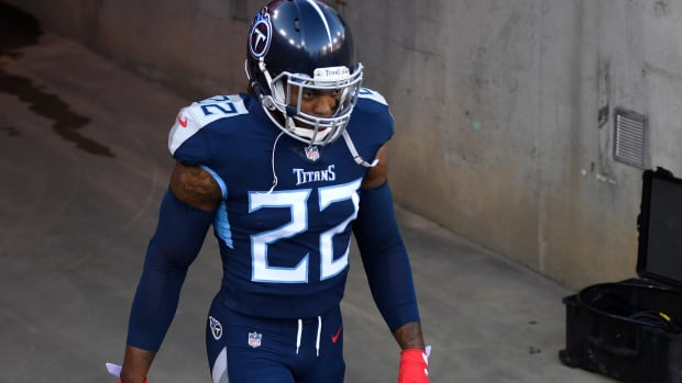 Tennessee Titans running back Derrick Henry (22) walks out of the tunnel before the game against the Buffalo Bills at Nissan Stadium Tuesday, Oct. 13, 2020 in Nashville, Tenn.