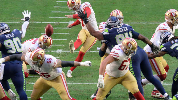 Former Husky Tristan Vizcaino made his NFL debut for the 49ers.