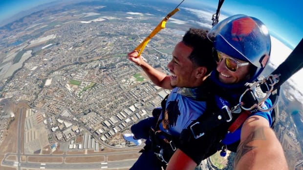 Former Cal cornerback Camryn Bynum gets a different view of the world during his skydiving debut