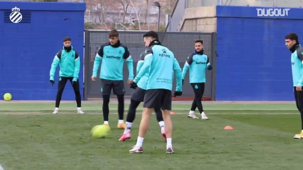 Espanyol's rondo in training
