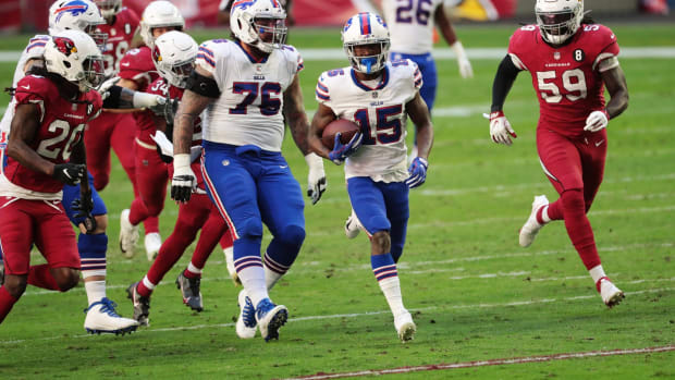 Bills wide receiver John Brown (15) breaks free after a catch against the Arizona Cardinals.