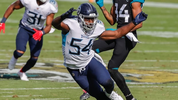 Tennessee Titans inside linebacker Rashaan Evans (54) heads off a Jacksonville Jaguars player during the second quarter at TIAA Bank Field.