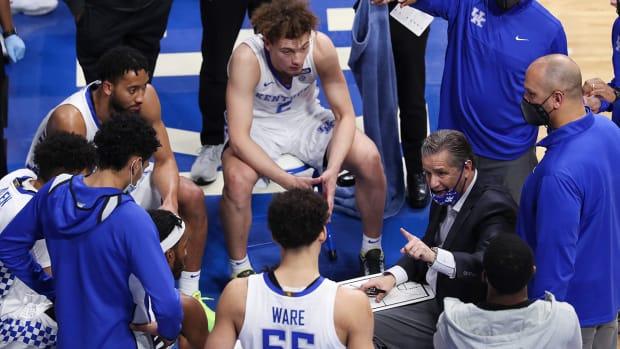John Calipari coaching the Kentucky Wildcats