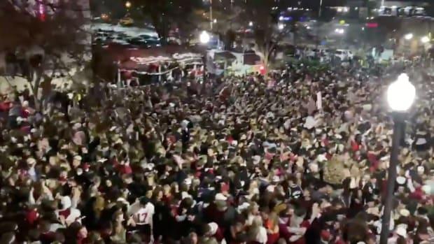 Alabama Floods Crowds