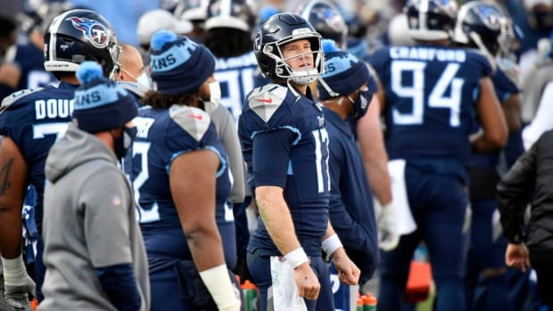 Tennessee Titans quarterback Ryan Tannehill (17) watches the scoreboard late in the fourth quarter during the Tennessee Titans game against the Baltimore Ravens in Nashville on January 10, 2021.