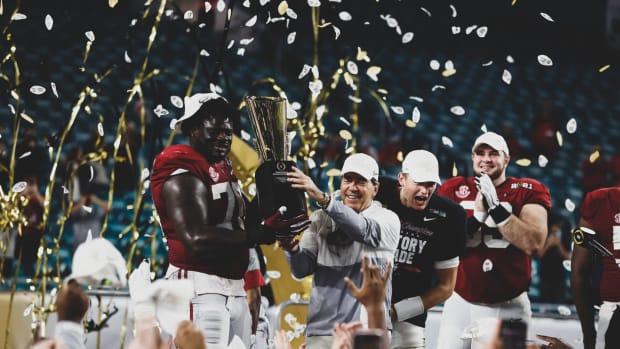 Alabama 2021 national championship trophy celebration