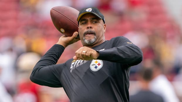 Pittsburgh Steelers senior defensive assistant/secondary coach Teryl Austin before the game against the San Francisco 49ers at Levi's Stadium.