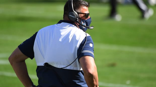 Tennessee Titans head coach Mike Vrabel during the first half against the Chicago Bears at Nissan Stadium.