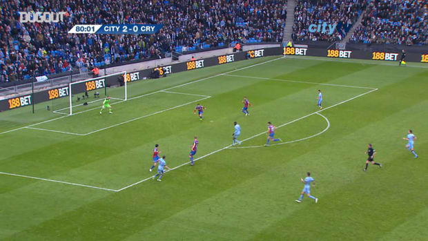 Yaya Toure finishes off counter-attack vs Crystal Palace