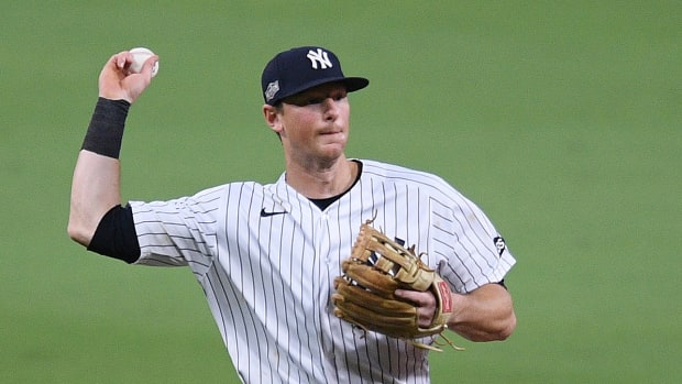 dj-lemahieu-signs-yankees