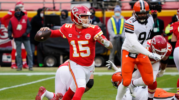 Patrick Mahomes attempts a pass against the Cleveland Browns