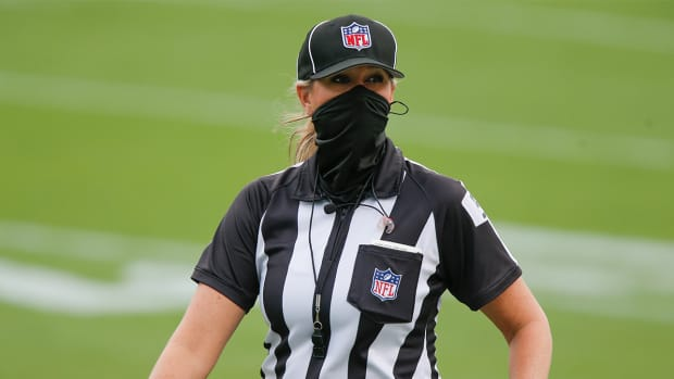 Sarah Thomas refs an NFL game.