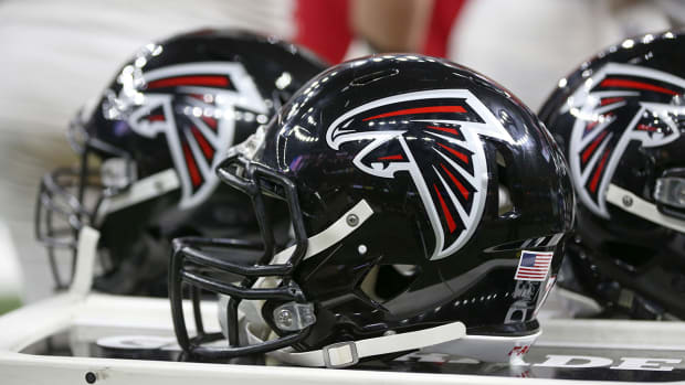 atlanta-falcons-helmet