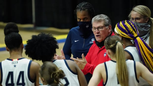 Jan 19, 2021; Storrs, Connecticut, USA; UConn Huskies head coach Geno Auriemma talks to his player during a break in the action in the second half against the Butler Bulldogs at Harry A. Gampel Pavilion.