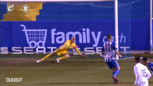 41-year-old keeper José Juan makes great saves vs Real Madrid