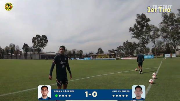 Sebastián Cáceres vs Luis Fuentes crossbar challenge
