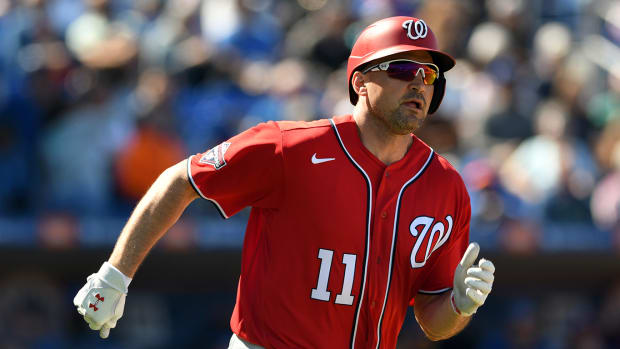 First baseman Ryan Zimmerman is returning to the Nationals on a one-year, $1 million deal.