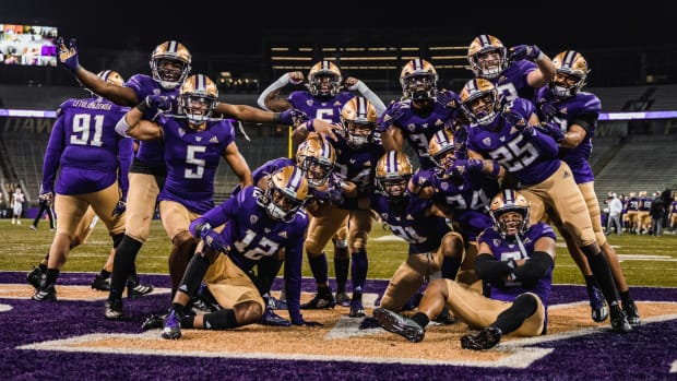 The Husky secondary posed for 2020 moment.