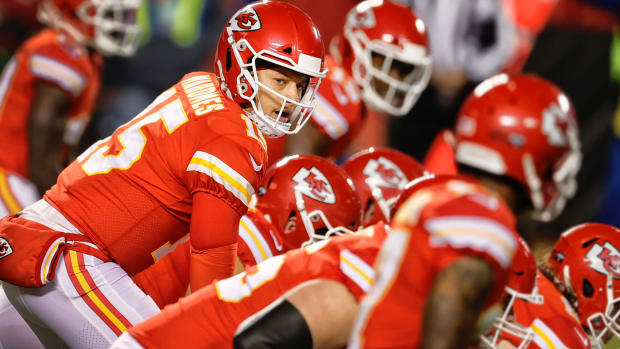 Patrick Mahomes plays in the 2020 AFC Championship