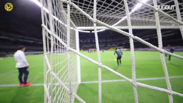 Club América's finishing practice at the Estadio Azteca