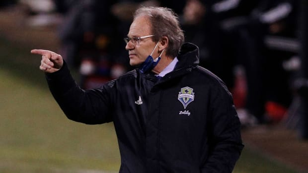 Brian Schmetzer will be back as Seattle Sounders manager