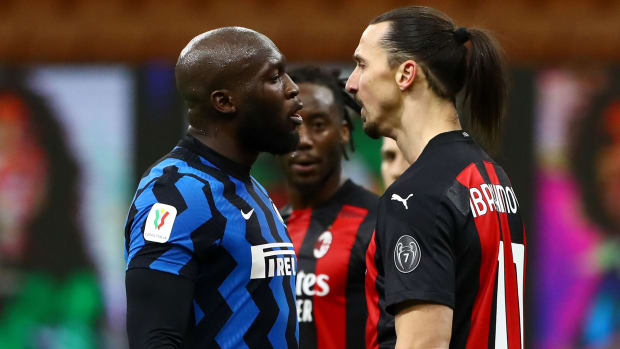 Zlatan Ibrahimović and Romelu Lukaku in altercation during match
