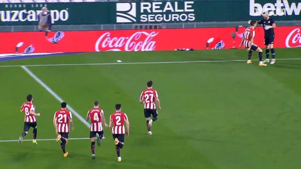 Unai Simón saves two penalties as Athletic Club progress to semi-finals