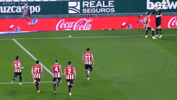 Athletic Club players celebrate victory on penalties