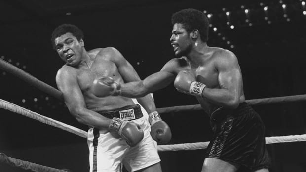 Leon Spinks defeated Muhammad Ali in his eighth career bout on Feb. 15, 1978.