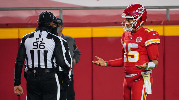 Patrick Mahomes talks to officials during Super Bowl LV.