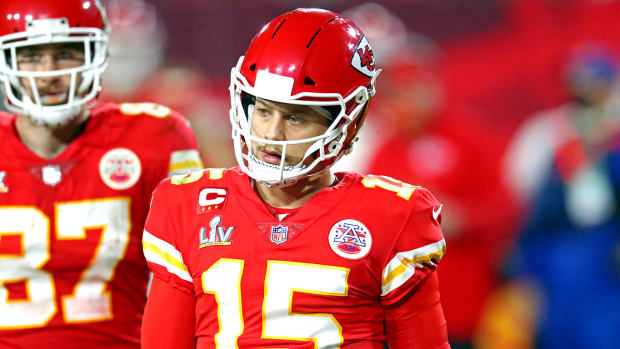 Patrick Mahomes will undergo turf toe surgery and is expected to make a full recovery for next season.