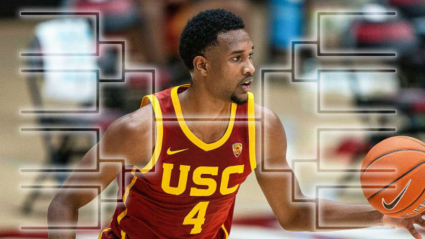 USC basketball player Evan Mobley