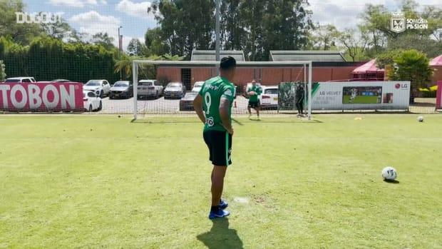 Jarlan Barrera vs Jefferson Duque's new penalty challenge