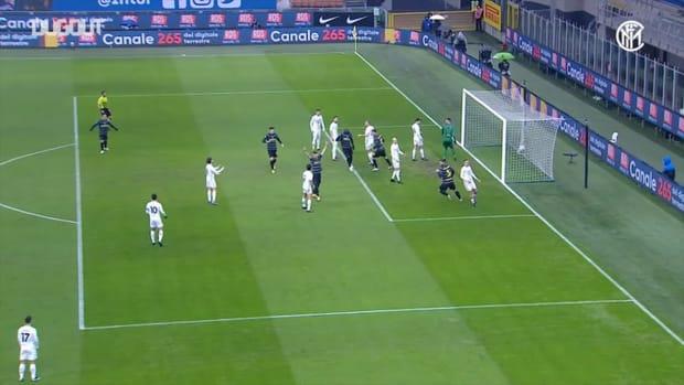 Inter beat Benevento 4-0