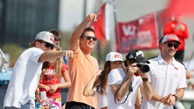 Tom Brady celebrates his 7th Super Bowl win during Tampa Bay's parade
