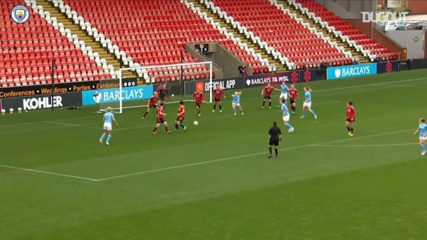 Kelly and Coombs fire first half goals vs Manchester United