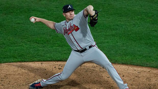 Relief pitcher Mark Melancon has reportedly agreed to a deal with the Padres.