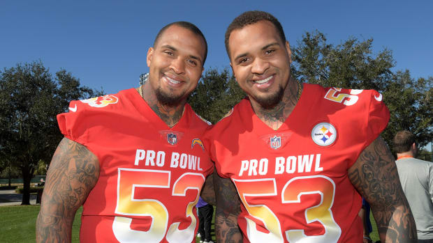Maurkice and Mike Pouncey take a photo at the Pro Bowl