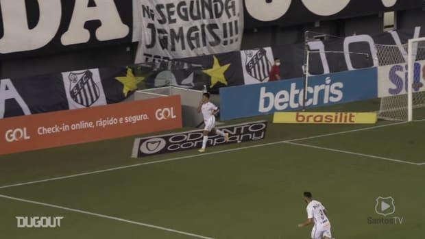 Santos' wins Corinthians' at Vila Belmiro