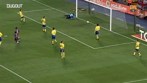 Ronaldinho's great volley vs Cadiz