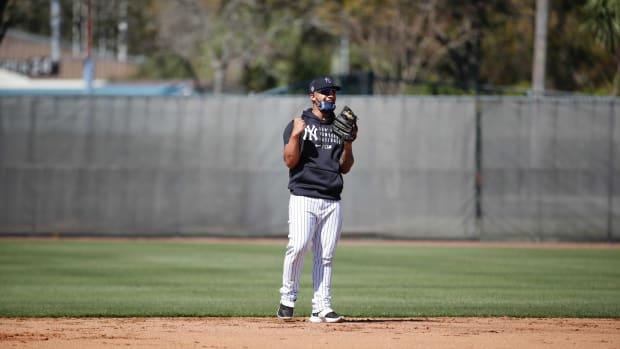 Yankees SS Gleyber Torres fielding