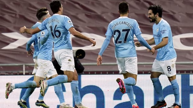 Manchester City celebrates Ilkay Gundogan's goal vs. Liverpool