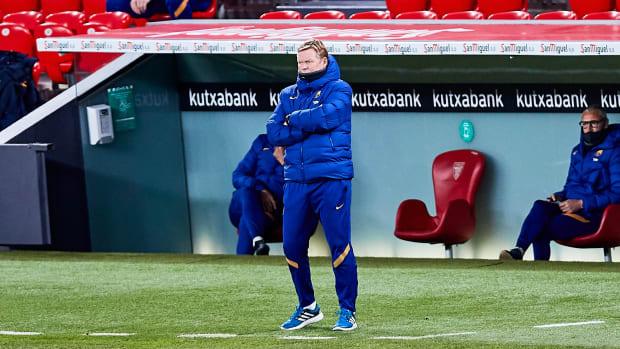 Ronald Koeman watches Barcelona match