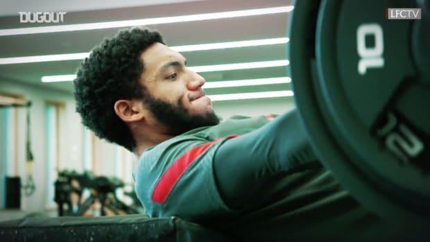 Behind the scenes: Van Dijk and Gomez work hard in the gym