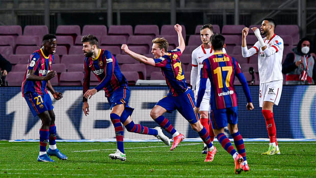 Gerard Pique scores for Barcelona vs Sevilla in the Copa del Rey